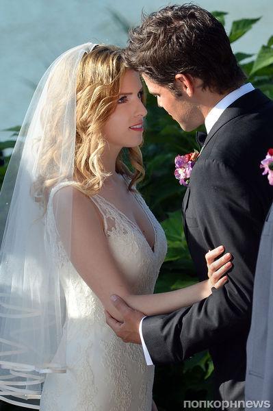 Анна Кендрик примерила свадебное платье
