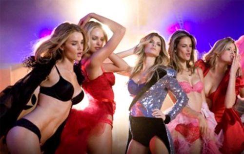 """Новая реклама Victoria's Secret от режиссера """"Трансформеров"""""""