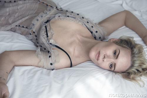 Джуно Темпл, Сара Полсон и другие в «постельной» фотосессии для журнала W Magazine