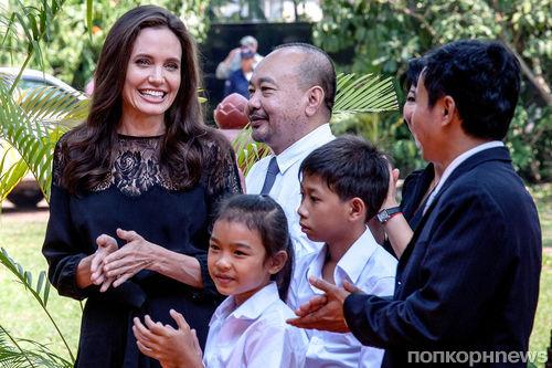 Фильм Анджелины Джоли о Камбодже заявлен на «Оскар» 2018