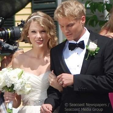 Тэйлор Свифт вышла замуж