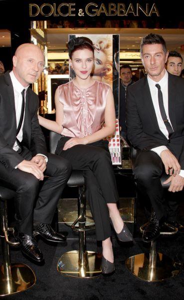 Скарлетт Йоханссон на презентации косметики Dolce & Gabbana