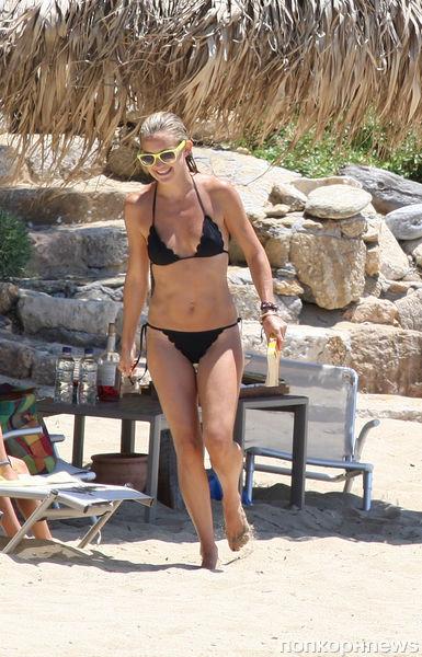 Кейт Хадсон на отдыхе в Греции