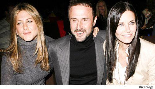 Дженнифер Энистон надеется, что Кортни Кокс и Дэвид Аркетт не доведут все до развода