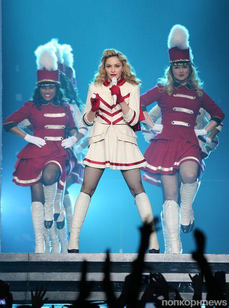 Мадонна посвятила песню и стриптиз пакистанской девушке