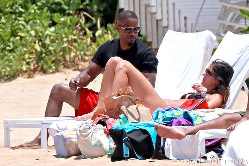 Джейми Фокс отдыхает с друзьями на Мауи