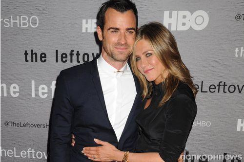 Дженнифер Энистон и Джастин Теру отметили первую годовщину свадьбы