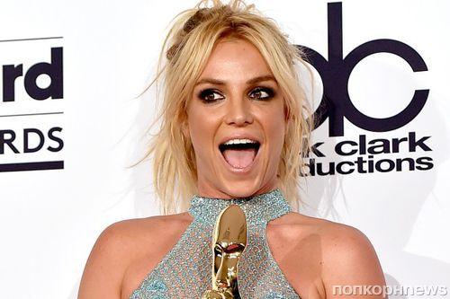 Бритни Спирс представила новый сингл Clumsy
