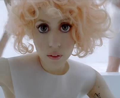 Видео: как стать похожей на Lady Gaga из клипа Bad romance