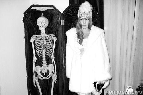 Терри Ричардсон следует за Lady GaGa