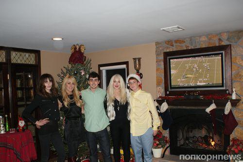 Линдсей Лохан провела Рождество с семьей