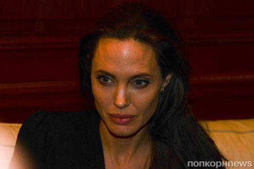 Анджелина Джоли похудела до 35 килограммов