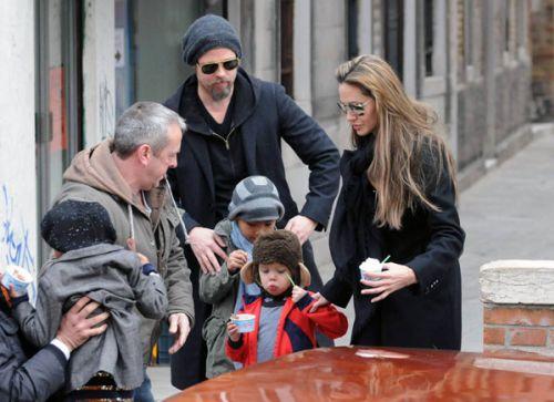 Семейство Джоли-Питт в Италии