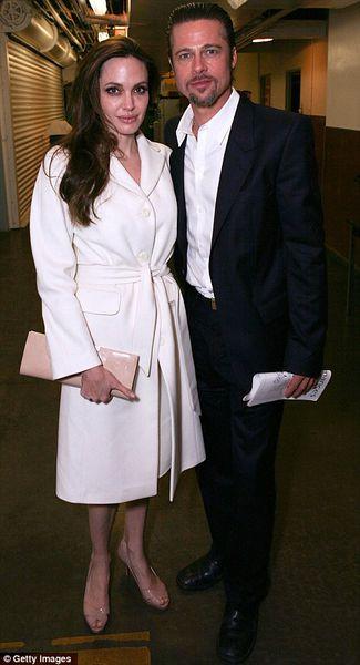 Брэд Питт и Анджелина Джоли в театре Ahmanson