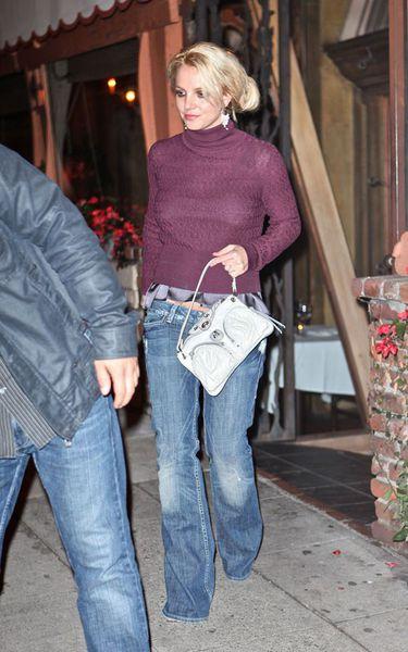 """Бритни Спирс возле ресторана """"Mirabelle"""""""