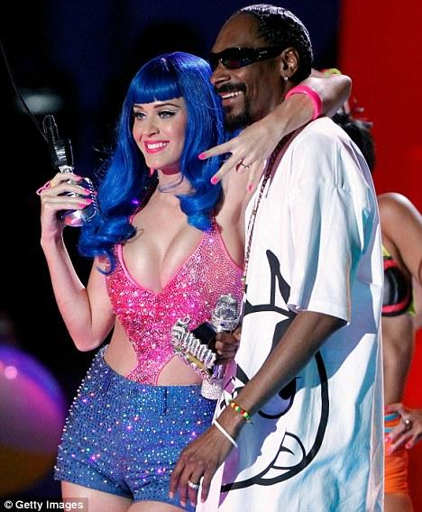 "Тизер сладкого клипа Кэтти Перри feat. Snoop Dogg ""California Gurls"""