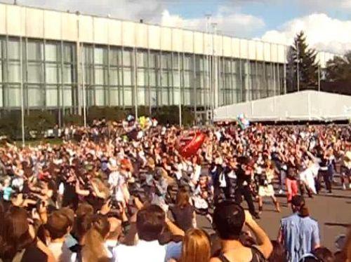 Танец под песню Thriller в Москве