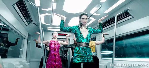 Зажигательные танцы: Кендалл Дженнер в рекламном ролике Balmain x H&M