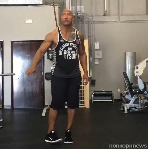 Видео: Дуэйн Джонсон преподал танцевальный мастер-класс