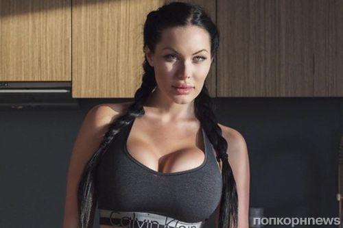 Порно актриса похожая на джоли анджелина