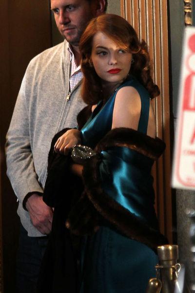 """Эмма Стоун и Шон Пенн на съемках фильма """"Охотники на гангстеров"""""""