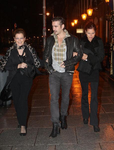 Колин Фаррел с семьей в Дублине