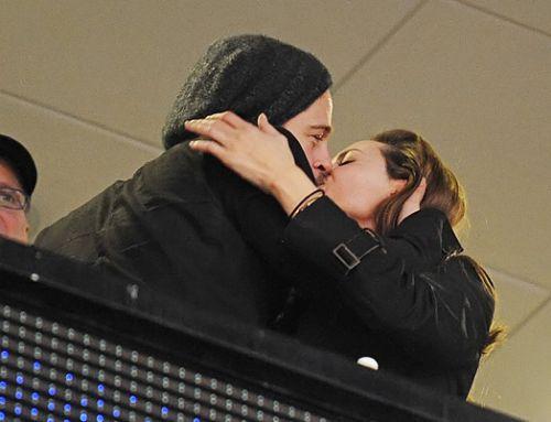 Джоли и Питт подают иск против журнала, написавшего об их разрыве