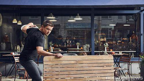 Видео: Джереми Реннер повторяет супергеройские трюки в рекламе BT Mobile