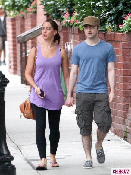 Дэниел Рэдклифф со своей девушкой в Нью-Йорке