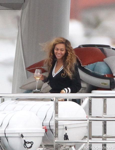 Бейонсе отметила день рождения прогулкой на яхте