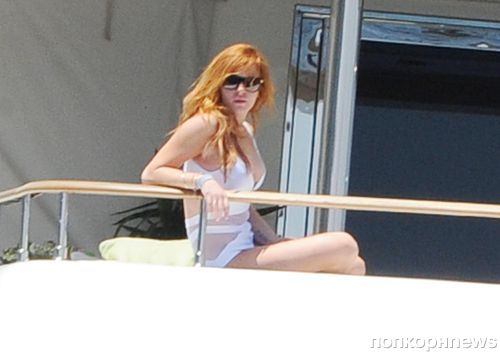 Линдси Лохан на яхте в Италии