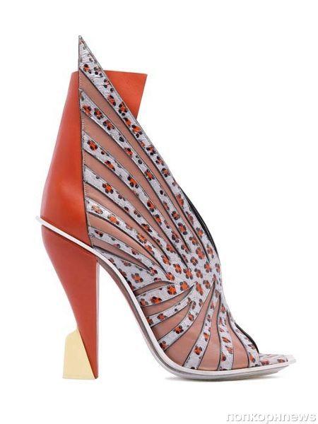 Необычная коллекция обуви от Balenciaga. Весна 2012