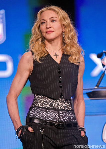 Мадонна на пресс-конференции по случаю Суперкубка