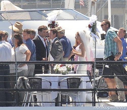 Сиенна Миллер и Брэдли Купер поженились  на съемочной площадке