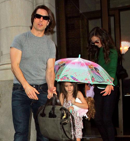 Кэти Холмс и Том Круз с дочерью в Нью-Йорке