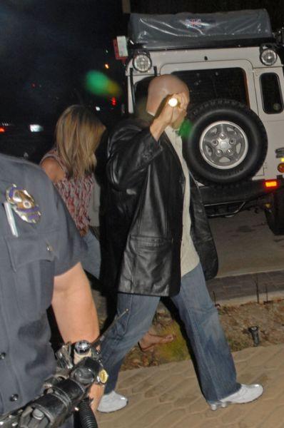 Дженнифер Энистон попросила помощи у полиции