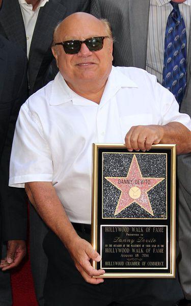 Дэнни Де Вито получил звезду на Аллее славы.