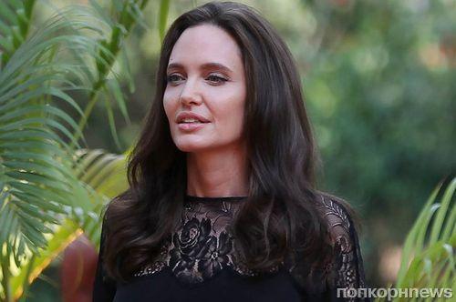 Анджелине Джоли приписали роман с британским бизнесменом и скорую свадьбу