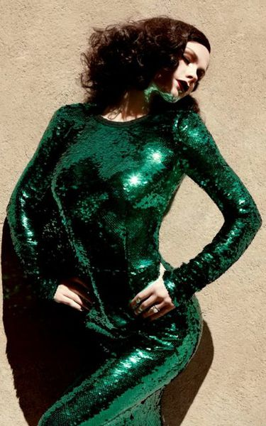 Анна Пакуин в журнале V. Июль 2011