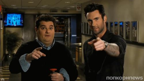 Адам Левин в промо-ролике SNL