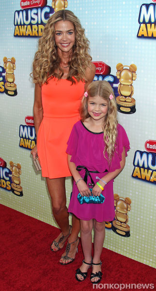 Звезды на церемонии Radio Disney Music Award 2013
