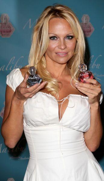 Памела Андерсон представила свой новый парфюм