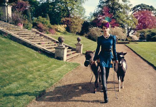 Эмма Уотсон в журнале Teen Vogue. Август 2009