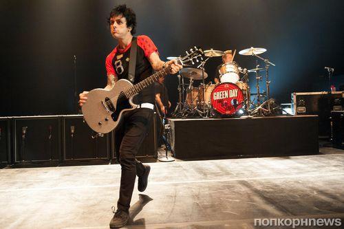 Фронтмен группы Green Day попал в больницу