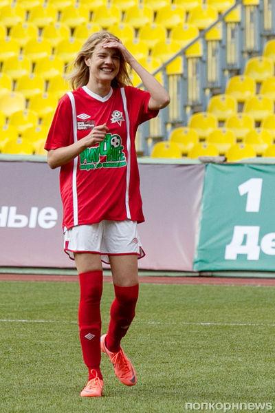 Наталья Водянова стала футболистом