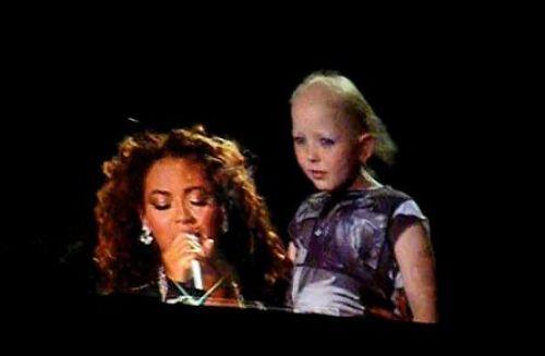 Бейонсе спела для девочки, больной раком