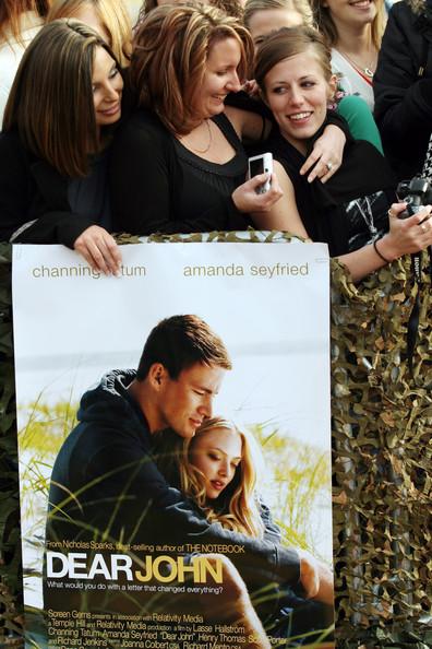 Аманда Сейфрид и Чэннинг Тэйтум на премьере  фильма «Дорогой Джон». 23 января