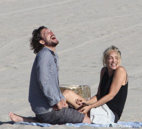 Романтическое свидание Шэрон Стоун на пляже