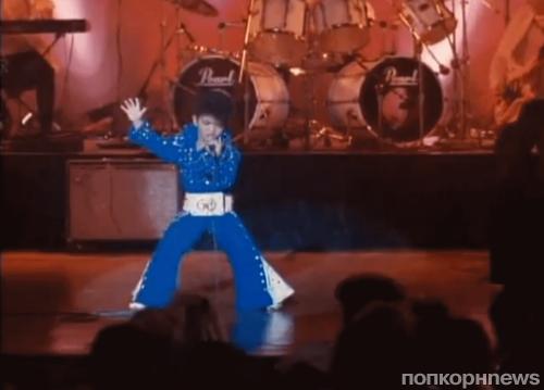 """Видео: Маленький Бруно Марс в эпизоде фильма """"Медовый месяц в Лас-Вегасе"""""""
