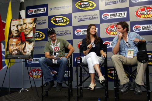 Джессика Бил и Брэдли Купер на гонках NASCAR Sprint Cup